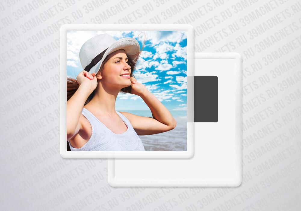 Акриловый фотомагнит 6.5*6.5 см.