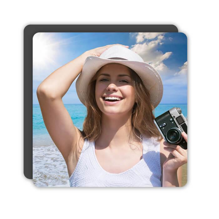 Виниловый фотомагнит 7.5 * 7.5 см.