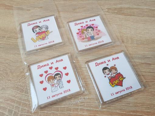 Пластиковые акриловые магниты на свадьбу love is в упаковке