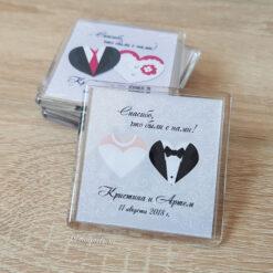Акриловый свадебный магнит с именами молодоженов