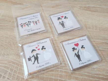 Акриловые свадебные магнитики с именами молодоженов на подарки гостям