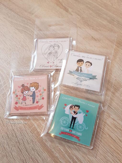 Акриловые магниты из пластика на подарки гостям свадьбы от молодоженов