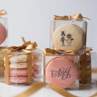 Что подарить гостям на свадьбе (50 фото)