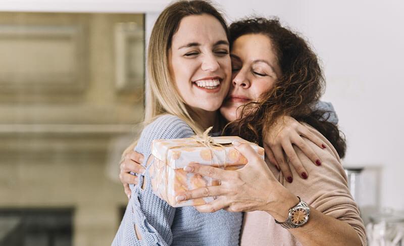 Что подарить Маме на Новый год 2019?